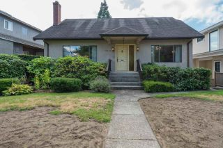 "Photo 2: 2336 W 19TH Avenue in Vancouver: Arbutus House for sale in ""Arbutus"" (Vancouver West)  : MLS®# R2493326"