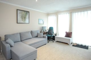 """Photo 3: 309 1850 E SOUTHMERE Crescent in Surrey: Sunnyside Park Surrey Condo for sale in """"Southmere Place"""" (South Surrey White Rock)  : MLS®# R2531604"""