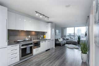 "Photo 5: 1606 6658 DOW AVE Avenue in Burnaby: Metrotown Condo for sale in ""MODA"" (Burnaby South)  : MLS®# R2430580"