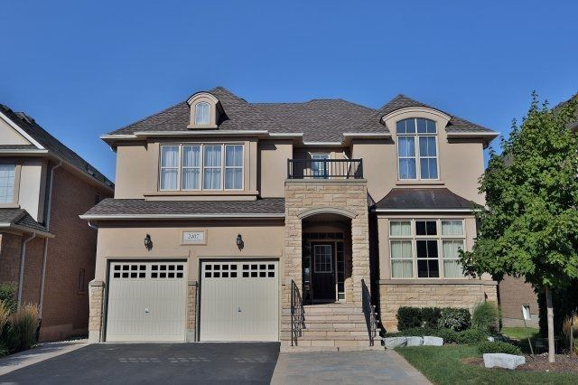 Main Photo: 2407 Taylorwood Drive in Oakville: Iroquois Ridge North House (2-Storey) for sale : MLS®# W3604780