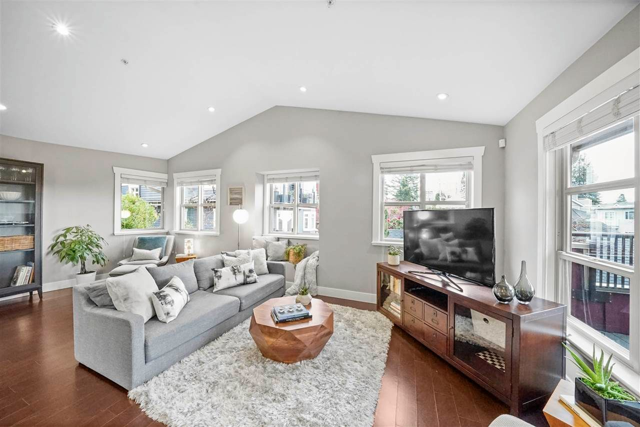 Main Photo: 3 241 W 5TH Street in North Vancouver: Lower Lonsdale Townhouse for sale : MLS®# R2564687