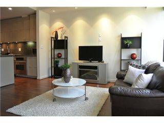 """Photo 1: # 801 1333 W GEORGIA ST in Vancouver: Coal Harbour Condo for sale in """"TH QUBE"""" (Vancouver West)  : MLS®# V1018251"""