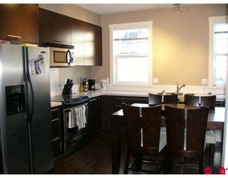 """Photo 4: 4 18983 72A Avenue in Surrey: Clayton Townhouse for sale in """"KEW by Mosaic"""" (Cloverdale)  : MLS®# F2909372"""