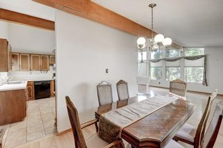 Photo 10: 2740 LIONEL Crescent SW in Calgary: Lakeview Detached for sale : MLS®# C4303561