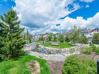 Photo 4: 43 WEST SPRINGS Lane SW in Calgary: West Springs Row/Townhouse for sale : MLS®# C4256287