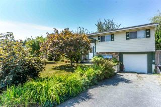 Photo 1: 12085 GEE STREET in Maple Ridge: East Central House for sale : MLS®# R2303678