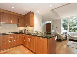 """Photo 7: TH25 338 JERVIS MEWS in Vancouver: Coal Harbour Townhouse for sale in """"CALLISTO"""" (Vancouver West)  : MLS®# V1089727"""