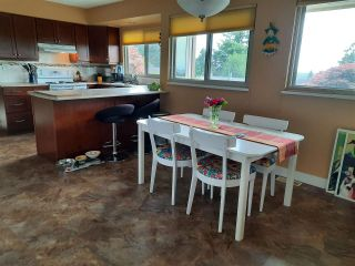 """Photo 12: 8102 WILTSHIRE Place in Delta: Nordel House for sale in """"CANTERBURY HEIGHTS"""" (N. Delta)  : MLS®# R2586961"""
