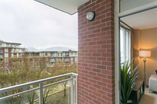 """Photo 3: 513 4078 KNIGHT Street in Vancouver: Knight Condo for sale in """"KING EDWARD VILLAGE"""" (Vancouver East)  : MLS®# R2154566"""