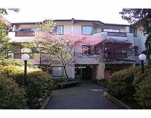 Main Photo: : House for sale : MLS®# V755745