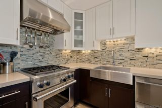 Photo 5: DOWNTOWN Condo for sale : 2 bedrooms : 700 W Harbor Dr #1106 in San Diego