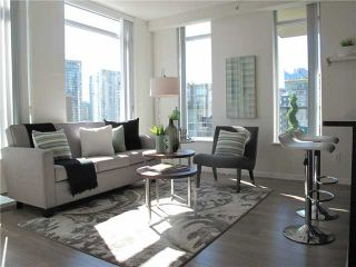 """Photo 1: 1807 1001 HOMER Street in Vancouver: Yaletown Condo for sale in """"The Bentley"""" (Vancouver West)  : MLS®# V1076353"""