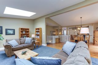 Photo 6: 1011 HENDECOURT Road in North Vancouver: Lynn Valley House for sale : MLS®# R2617338