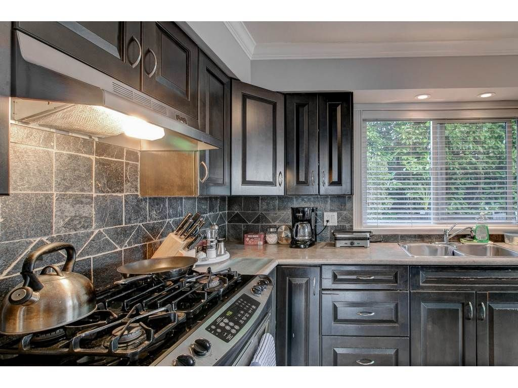Main Photo: 501 MENTMORE Street in Coquitlam: Coquitlam West House for sale : MLS®# R2549444