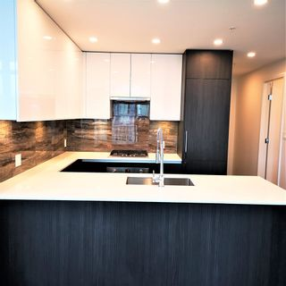 """Photo 3: 1101 1888 GILMORE Avenue in Burnaby: Brentwood Park Condo for sale in """"TRIOMPHE"""" (Burnaby North)  : MLS®# R2458455"""