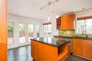 Photo 10: 2425 W 13TH Avenue in Vancouver: Kitsilano House for sale (Vancouver West)  : MLS®# R2584284