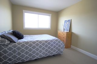 """Photo 14: 6972 195 Street in Surrey: Clayton House for sale in """"Clayton's Gate"""" (Cloverdale)  : MLS®# R2364520"""