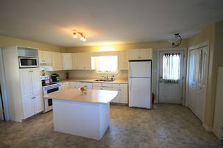 Photo 5: 75 Southpark Drive in Niverville: R07 Residential for sale : MLS®# 1924397