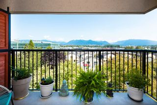 """Main Photo: 406 2142 CAROLINA Street in Vancouver: Mount Pleasant VE Condo for sale in """"WOODDALE"""" (Vancouver East)  : MLS®# R2601295"""