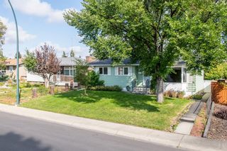 Photo 3: 1836 Matheson Drive NE in Calgary: Mayland Heights Detached for sale : MLS®# A1143576