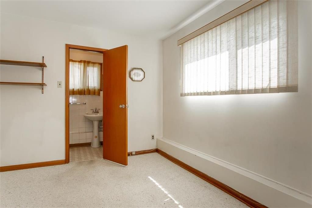 Photo 24: Photos: 128 Sterling Avenue in Winnipeg: Meadowood Residential for sale (2E)  : MLS®# 202011390