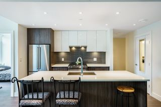 """Photo 4: 202 258 NELSON'S Court in New Westminster: Sapperton Condo for sale in """"THE COLUMBIA"""" : MLS®# R2613389"""