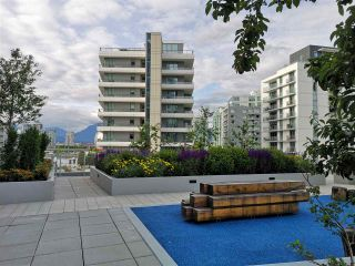 """Photo 10: 601 1708 ONTARIO Street in Vancouver: Mount Pleasant VE Condo for sale in """"PINNACLE ON THE PARK"""" (Vancouver East)  : MLS®# R2533031"""