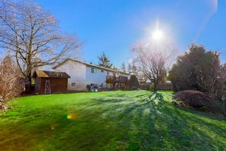 Photo 7: 6345 SUNDANCE Drive in Surrey: Cloverdale BC House for sale (Cloverdale)  : MLS®# R2037775