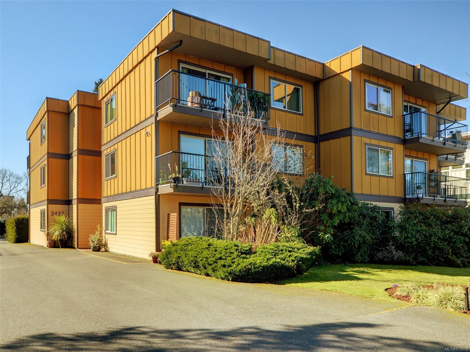 Main Photo: 205 2427 Amherst Ave in : Si Sidney North-East Condo for sale (Sidney)  : MLS®# 870018