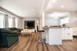 Photo 4: 85 Peony Avenue in Winnipeg: Garden City Residential for sale (4G)  : MLS®# 202015043