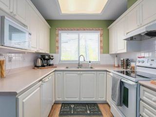 """Photo 9: 3 5053 47 Avenue in Delta: Ladner Elementary Townhouse for sale in """"PARKSIDE PLACE"""" (Ladner)  : MLS®# R2454031"""