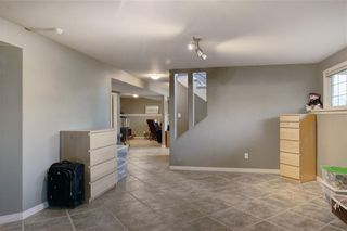 Photo 22: 204 MAPLE COURT Crescent SE in Calgary: Maple Ridge Detached for sale : MLS®# A1152517