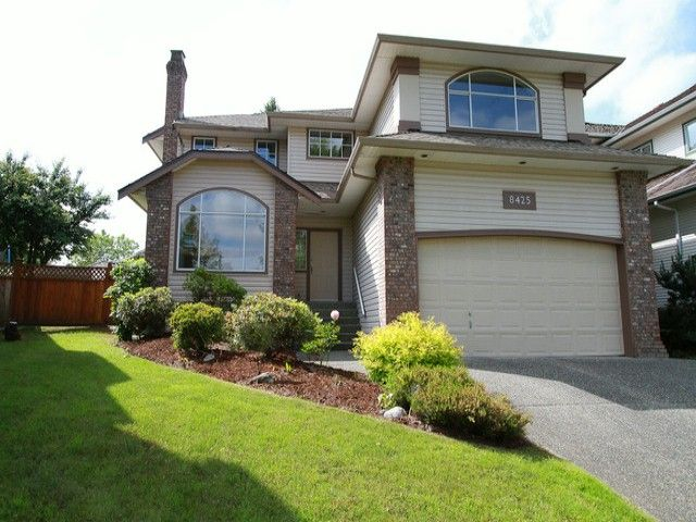 Main Photo: 8425 215 St. in Langley: Forest Hills House for sale : MLS®# F1413435