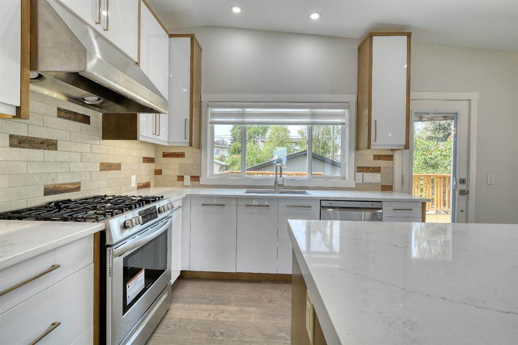 Photo 17: Photos: 12019 Canaveral Road SW in Calgary: Canyon Meadows Detached for sale : MLS®# A1126440