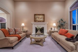 Photo 3: 411 MUNDY Street in Coquitlam: Central Coquitlam House for sale : MLS®# R2441305
