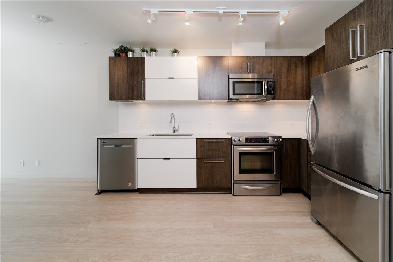"""Photo 5: Photos: 203 215 E 33RD Avenue in Vancouver: Main Condo for sale in """"33 & Main"""" (Vancouver East)  : MLS®# R2506740"""