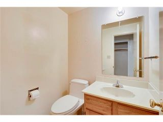 Photo 14: 6444 LAURENTIAN Way SW in Calgary: North Glenmore Park House for sale : MLS®# C4047532