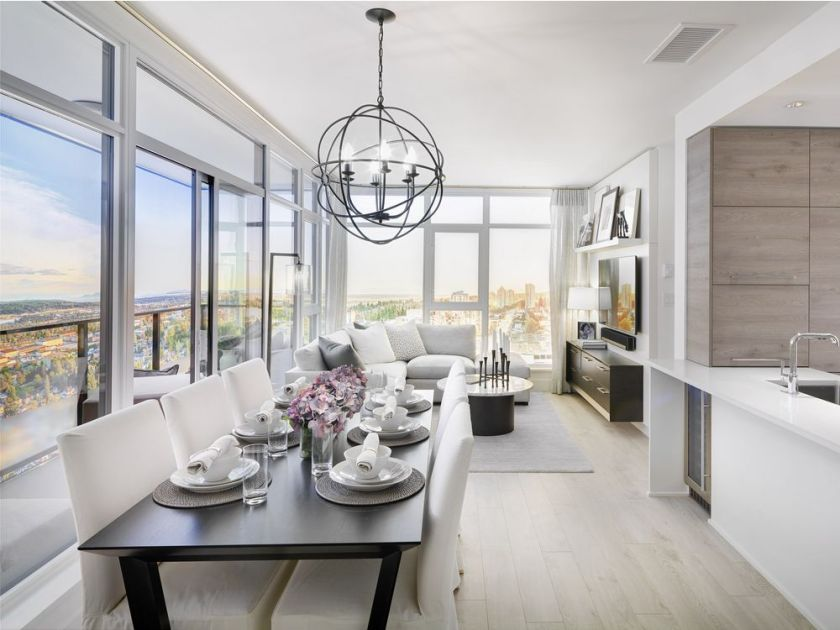 Photo 6: Photos: 1900 7388 Kingsway in Burnaby: Edmonds BE Condo for sale (Burnaby East)