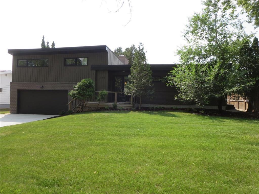 Main Photo: 420 Boreham Boulevard in Winnipeg: Tuxedo Residential for sale (1E)  : MLS®# 202118578