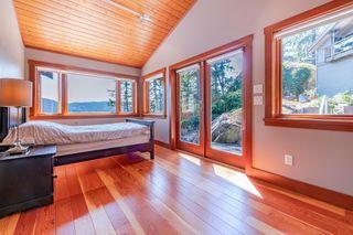 Photo 22: 5772 SUNSHINE FALLS Lane in North Vancouver: Woodlands-Sunshine-Cascade House for sale : MLS®# R2613401