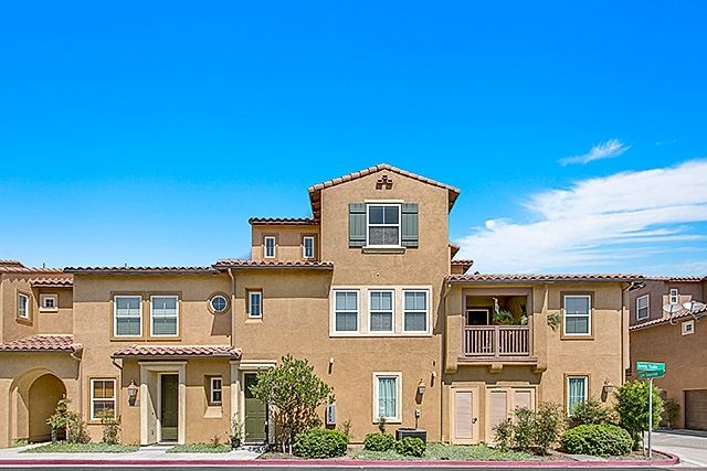 Main Photo: Townhome for sale: 17071 Calle Trevino  12 in San Diego