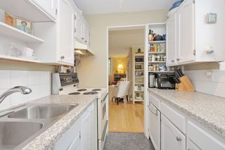 "Photo 11: 401 2165 W 40TH Avenue in Vancouver: Kerrisdale Condo for sale in ""THE VERONICA"" (Vancouver West)  : MLS®# R2117072"