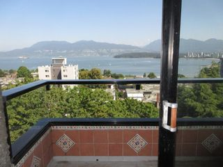 """Photo 3: 906 2370 W 2ND Avenue in Vancouver: Kitsilano Condo for sale in """"Century House"""" (Vancouver West)  : MLS®# R2601938"""