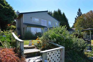 """Photo 1: 5160 RADCLIFFE Road in Sechelt: Sechelt District House for sale in """"SELMA PARK"""" (Sunshine Coast)  : MLS®# R2100427"""