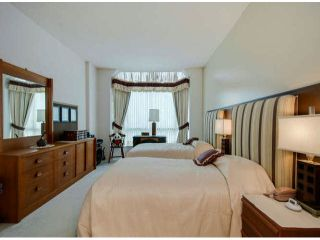 """Photo 12: 403 1765 MARTIN Drive in Surrey: Sunnyside Park Surrey Condo for sale in """"SOUTHWYND"""" (South Surrey White Rock)  : MLS®# F1415442"""