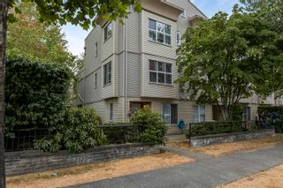 "Photo 1: 51 12449 191 Street in Pitt Meadows: Mid Meadows Townhouse for sale in ""WINDSOR CROSSING"" : MLS®# R2609000"