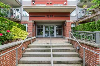 """Photo 3: 106 3240 ST JOHNS Street in Port Moody: Port Moody Centre Condo for sale in """"THE SQUARE"""" : MLS®# R2586549"""