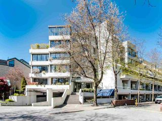 "Photo 3: 303 673 MARKET Hill in Vancouver: False Creek Townhouse for sale in ""MARKET HILL TERRACE"" (Vancouver West)  : MLS®# R2509909"