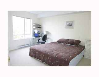 """Photo 5: 204 789 W 16TH Avenue in Vancouver: Fairview VW Condo for sale in """"SIXTEEN WILLOWS"""" (Vancouver West)  : MLS®# V786069"""