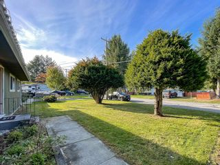 Photo 4: 3317 HANDLEY Crescent in Port Coquitlam: Lincoln Park PQ House for sale : MLS®# R2620351